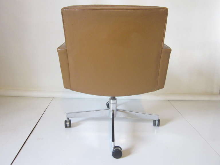 Stow Davis Executive Leather Desk Chair At 1stdibs
