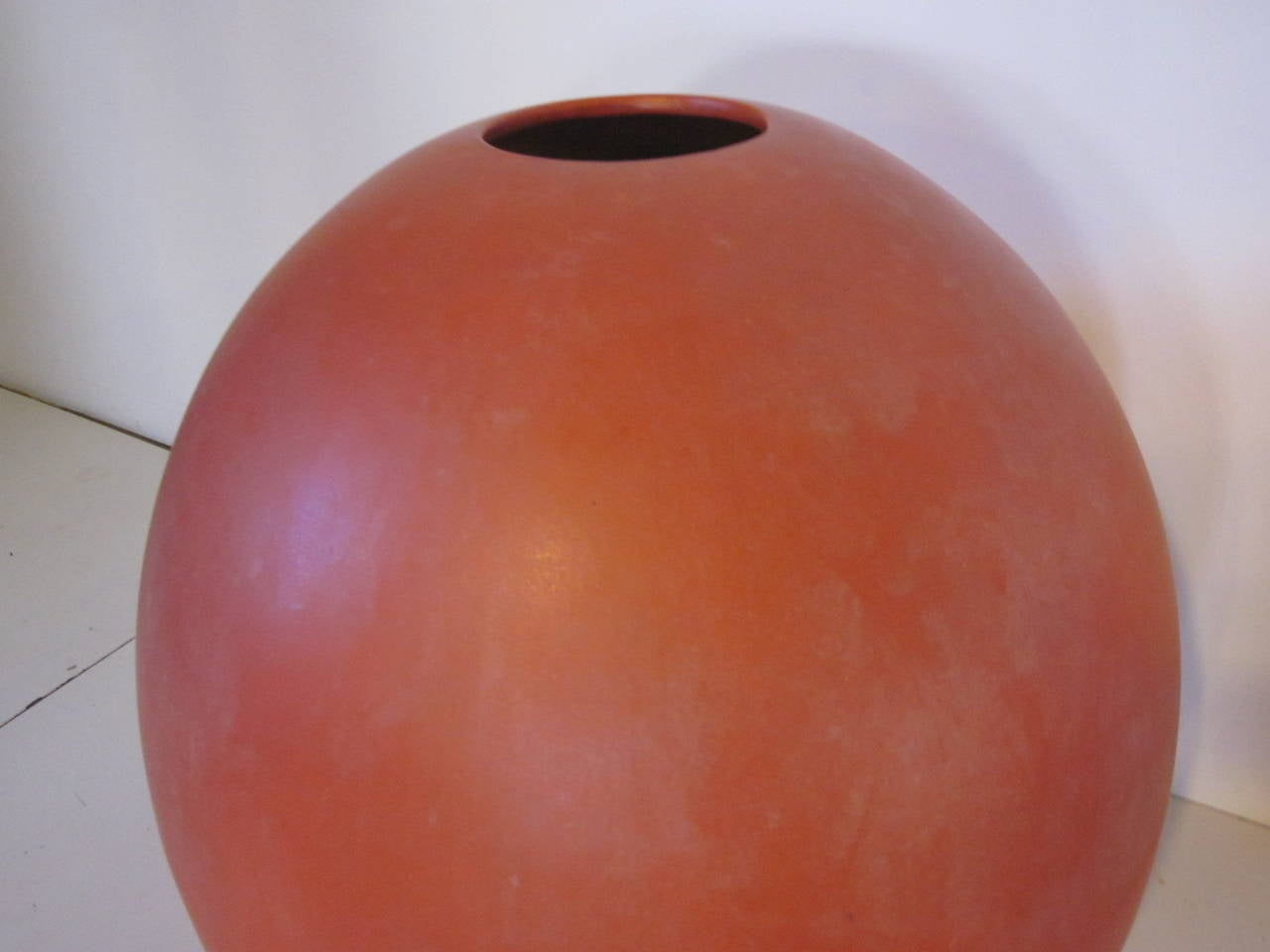 Monumental Architectural Pottery Marilyn Kay Austin Pot / Planter In Good Condition For Sale In Cincinnati, OH