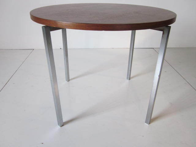 Mid-Century Modern Florence Knoll Walnut / Steel Side / End Table for Knoll For Sale