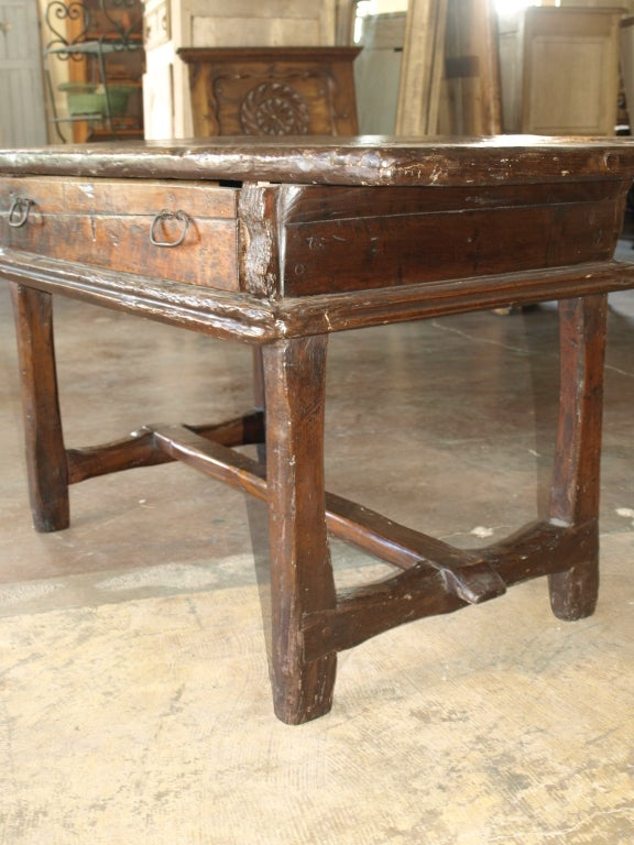 italian 17th century louis xiii table desk in oak and walnut at 1stdibs. Black Bedroom Furniture Sets. Home Design Ideas