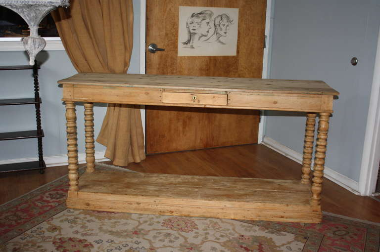 Late 19th Century French Antique Louis Philippe Style Pine Console In Good  Condition For Sale In