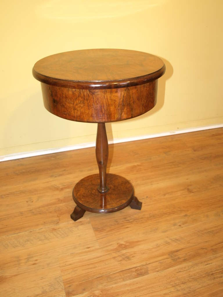 Late 19th century round side table gueridon at 1stdibs for Table gueridon