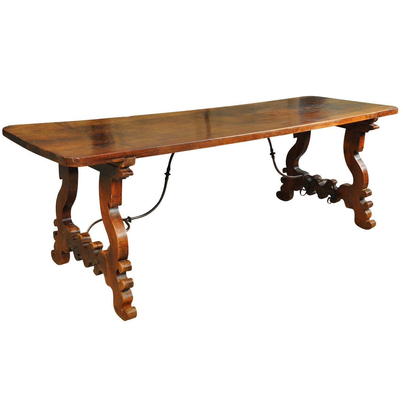 18th century spanish farm or trestle table in walnut with for Table in spanish