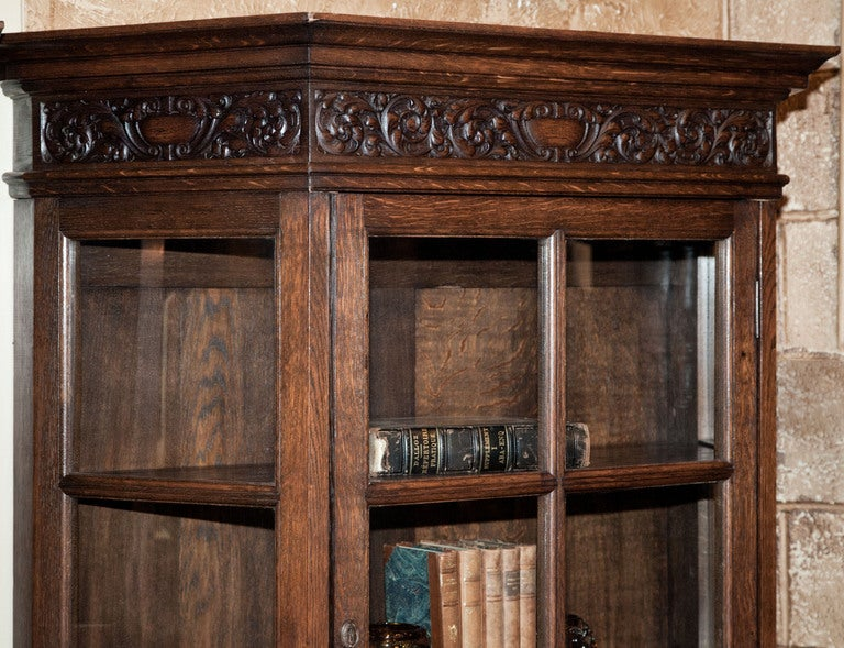 vintage renaissance vitrine at 1stdibs. Black Bedroom Furniture Sets. Home Design Ideas