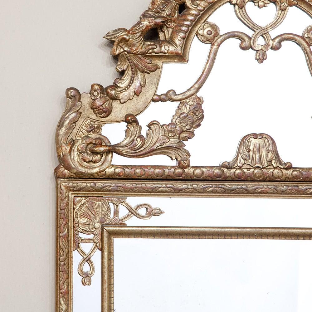 Italian baroque giltwood mirror at 1stdibs for Italian baroque mirror
