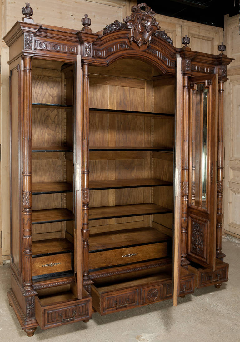 antique french henri ii walnut triple armoire at 1stdibs. Black Bedroom Furniture Sets. Home Design Ideas