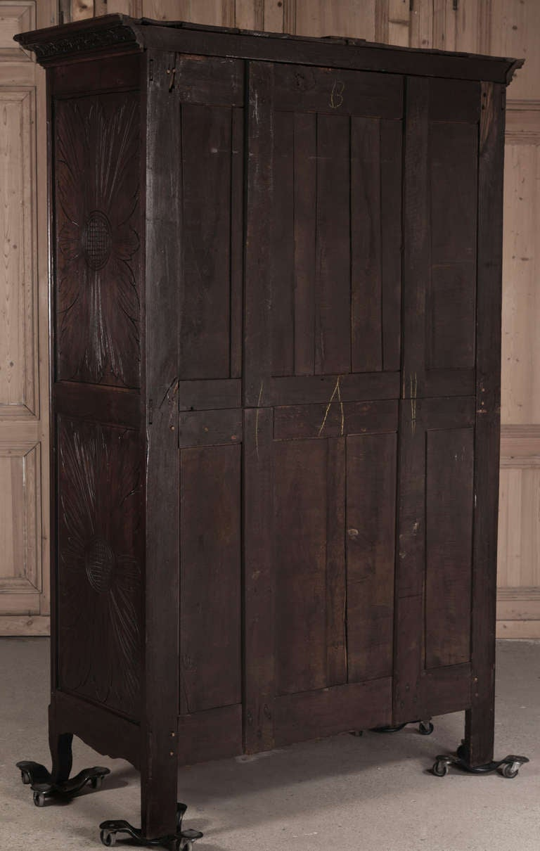 antique brittany armoire at 1stdibs. Black Bedroom Furniture Sets. Home Design Ideas