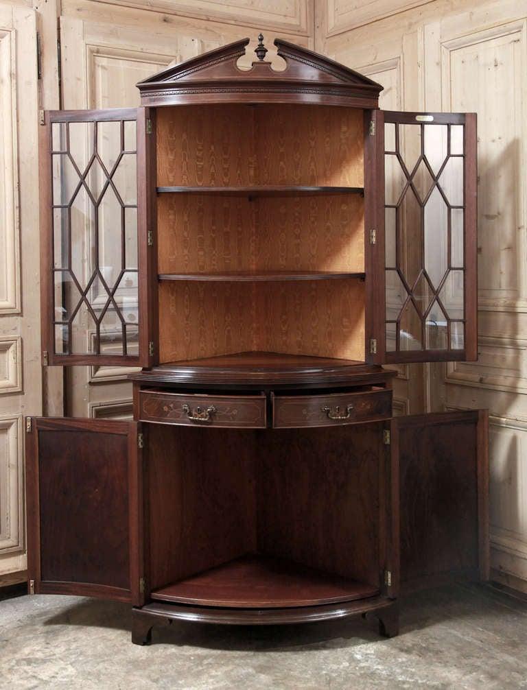 Vintage Sheraton Corner Bookcase At 1stdibs