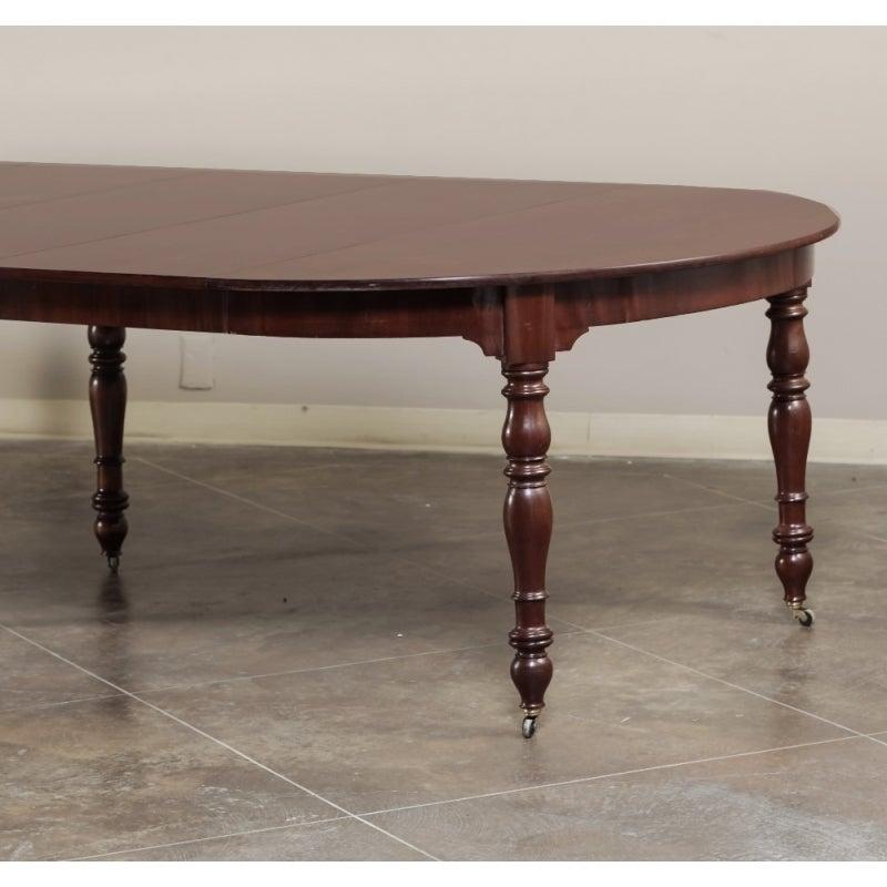 Antique French Mahogany Banquet Table at 1stdibs : antiquefrenchmahoganybanquettable4 1 from www.1stdibs.com size 800 x 800 jpeg 60kB
