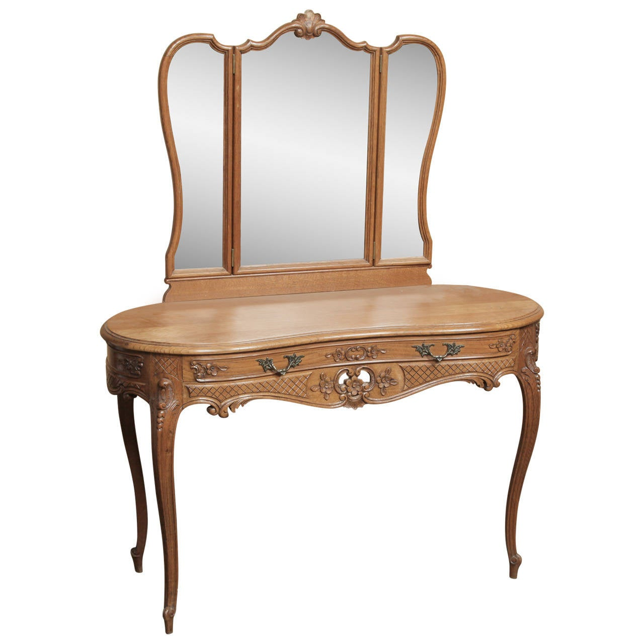 Vintage Country French Vanity at 1stdibs : 2245932l from www.1stdibs.com size 1280 x 1280 jpeg 90kB