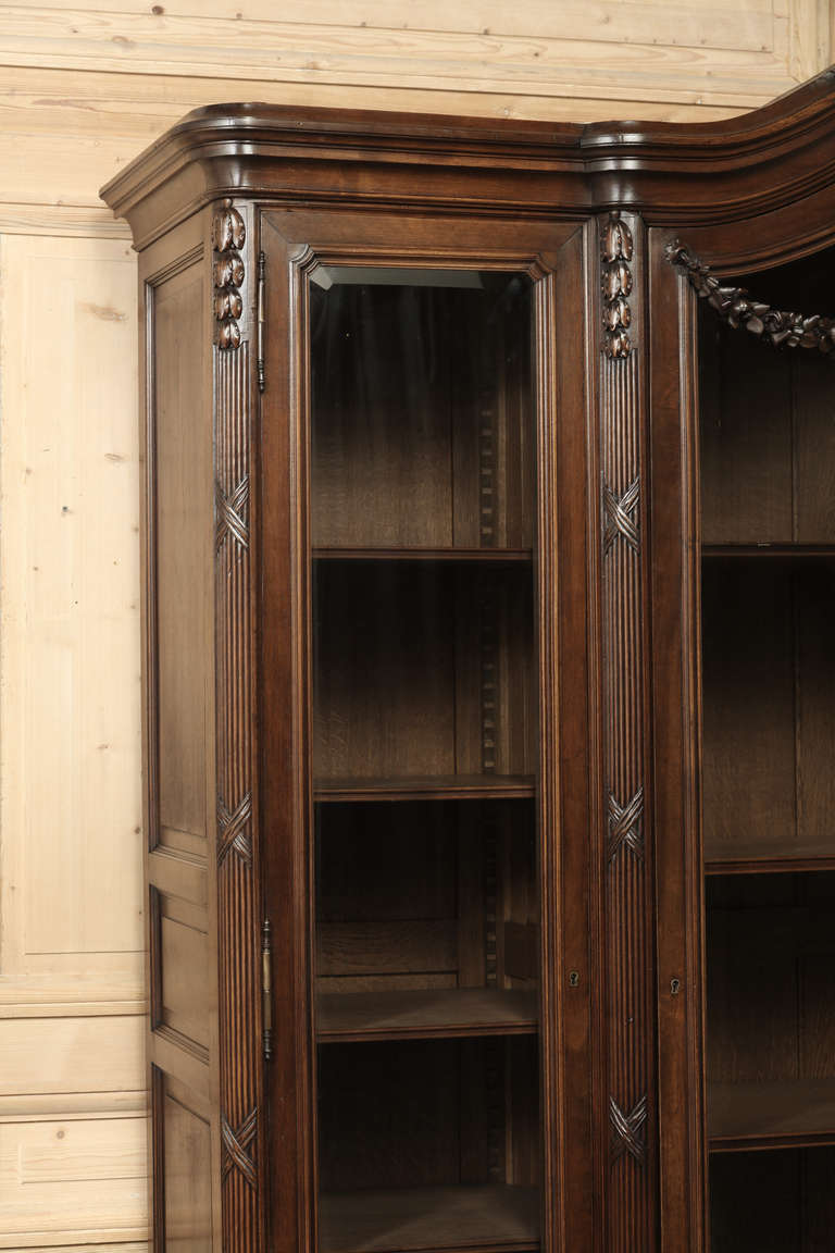 antique french louis xvi walnut display armoire at 1stdibs. Black Bedroom Furniture Sets. Home Design Ideas
