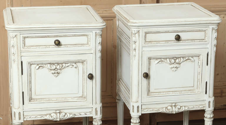 Pair Of Vintage French Louis Xvi Painted Night Stands At 1stdibs