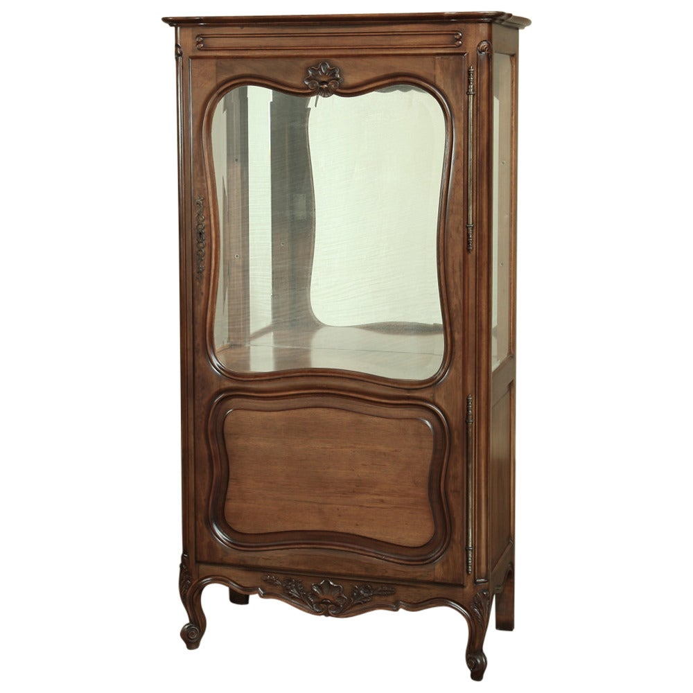 vintage country french walnut vitrine at 1stdibs. Black Bedroom Furniture Sets. Home Design Ideas
