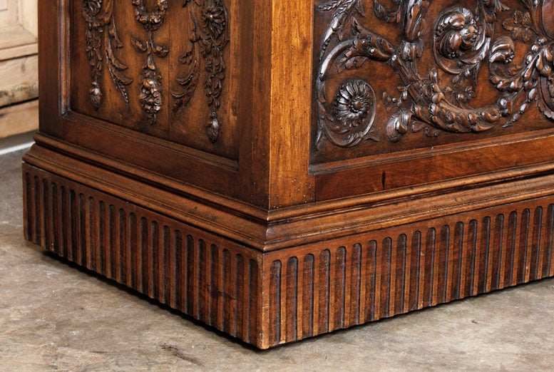 Antique Henri II Walnut Trunk image 4