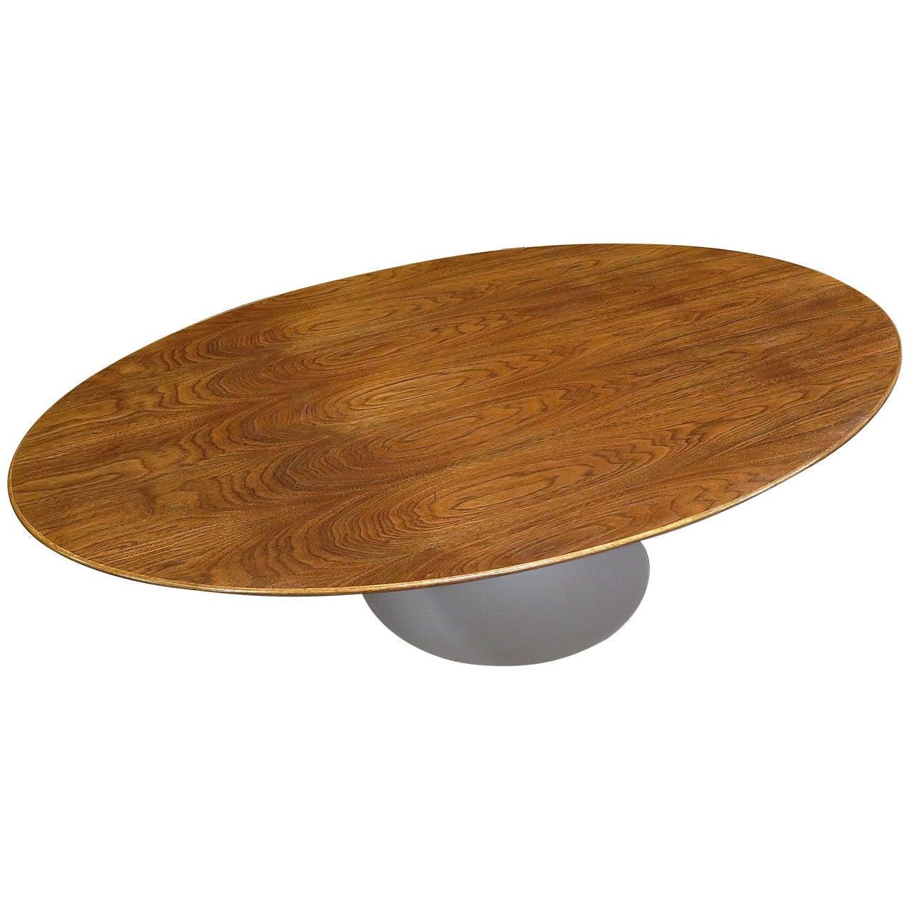 Rare 1960 saarinen oval coffee table at 1stdibs rare 1960 saarinen oval coffee table 1 geotapseo Choice Image