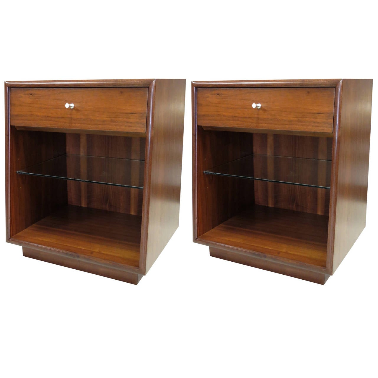 1950s Pair of Drexel Nightstands
