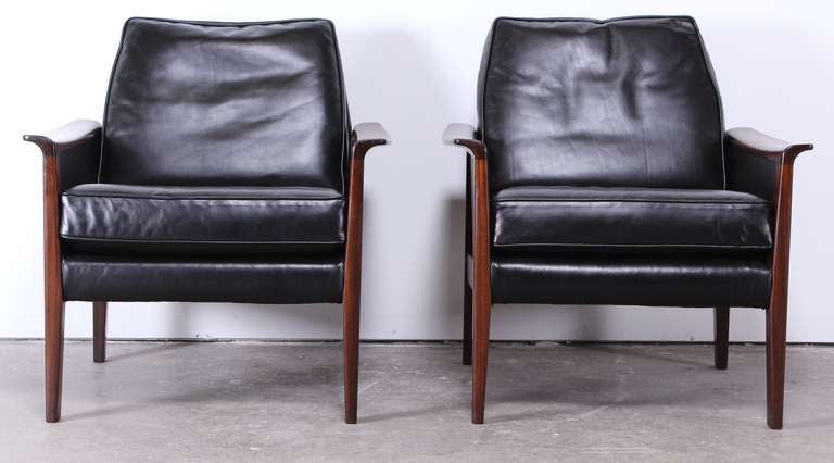 pair of danish mid century modern rosewood and black leather armchairs 4 black leather mid century