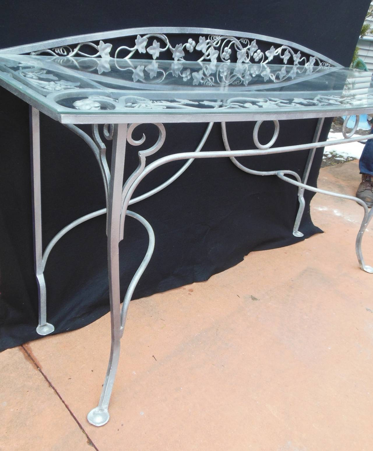 Vintage Salterini Wrought Iron Console Table In Excellent Condition For  Sale In Long Island, NY