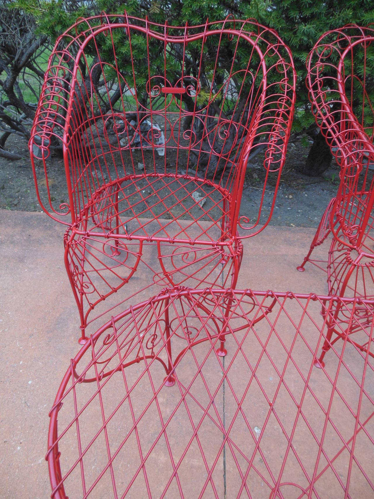 Hollywood Regency Vintage Three-Piece Ornate Wire Patio Set For Sale