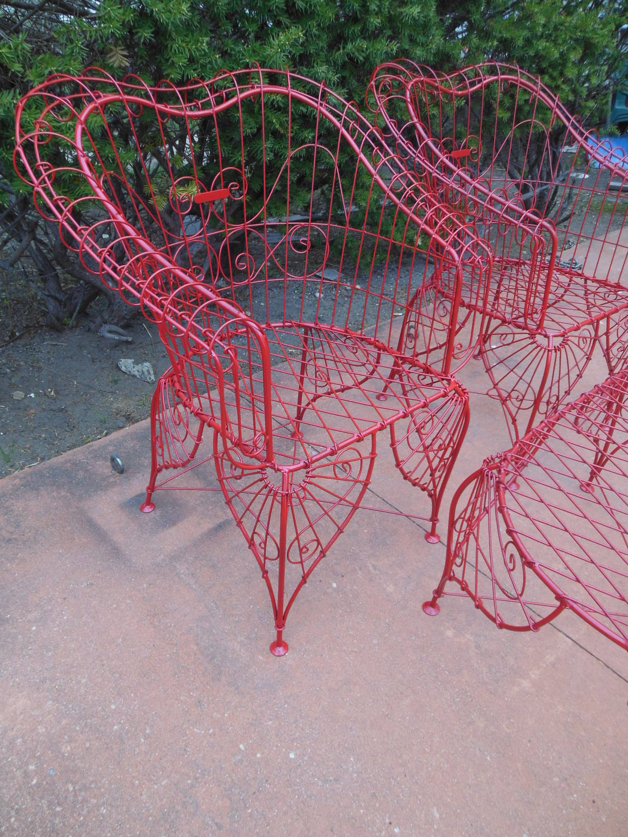 Mid-20th Century Vintage Three-Piece Ornate Wire Patio Set For Sale