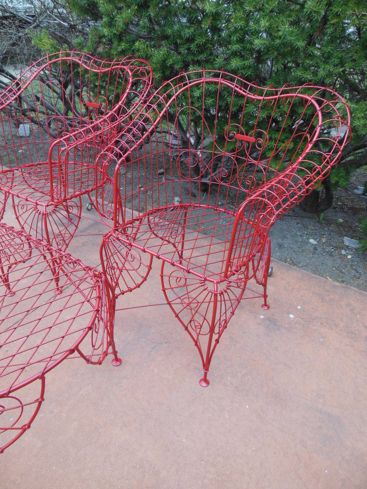 Vintage Three-Piece Ornate Wire Patio Set For Sale 2