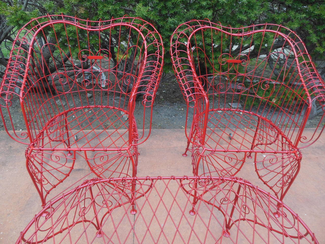Vintage Three-Piece Ornate Wire Patio Set For Sale 1
