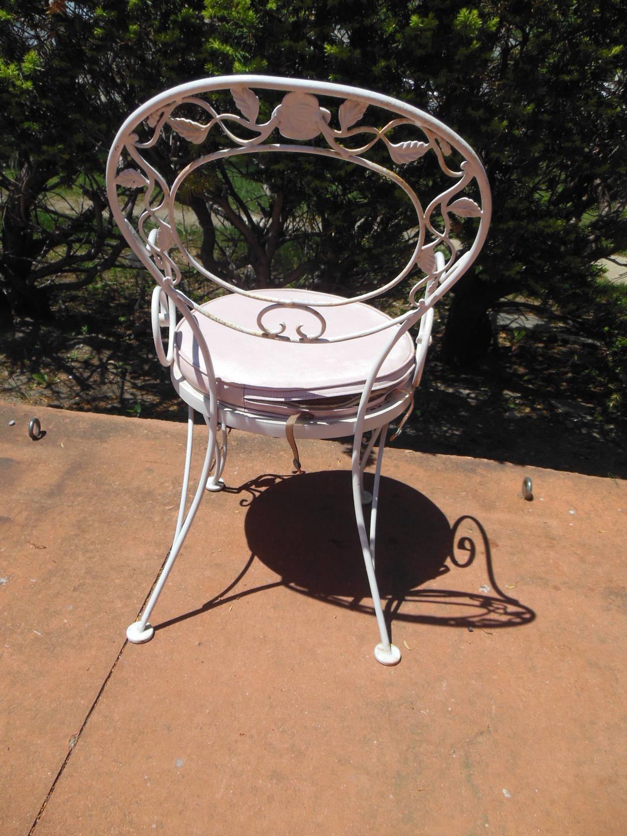 Patio dining set woodard wrought iron chantilly rose for Woodard patio furniture