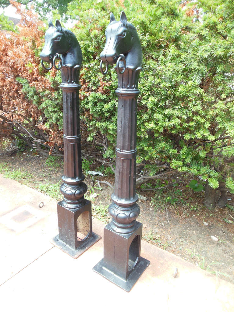 Antique hitching posts with horse heads at 1stdibs for Vintage horseshoes for sale