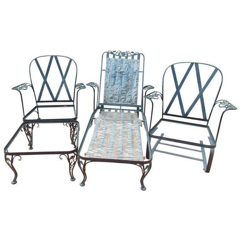 Patio set wrought iron by woodard at 1stdibs for Wrought iron living room furniture