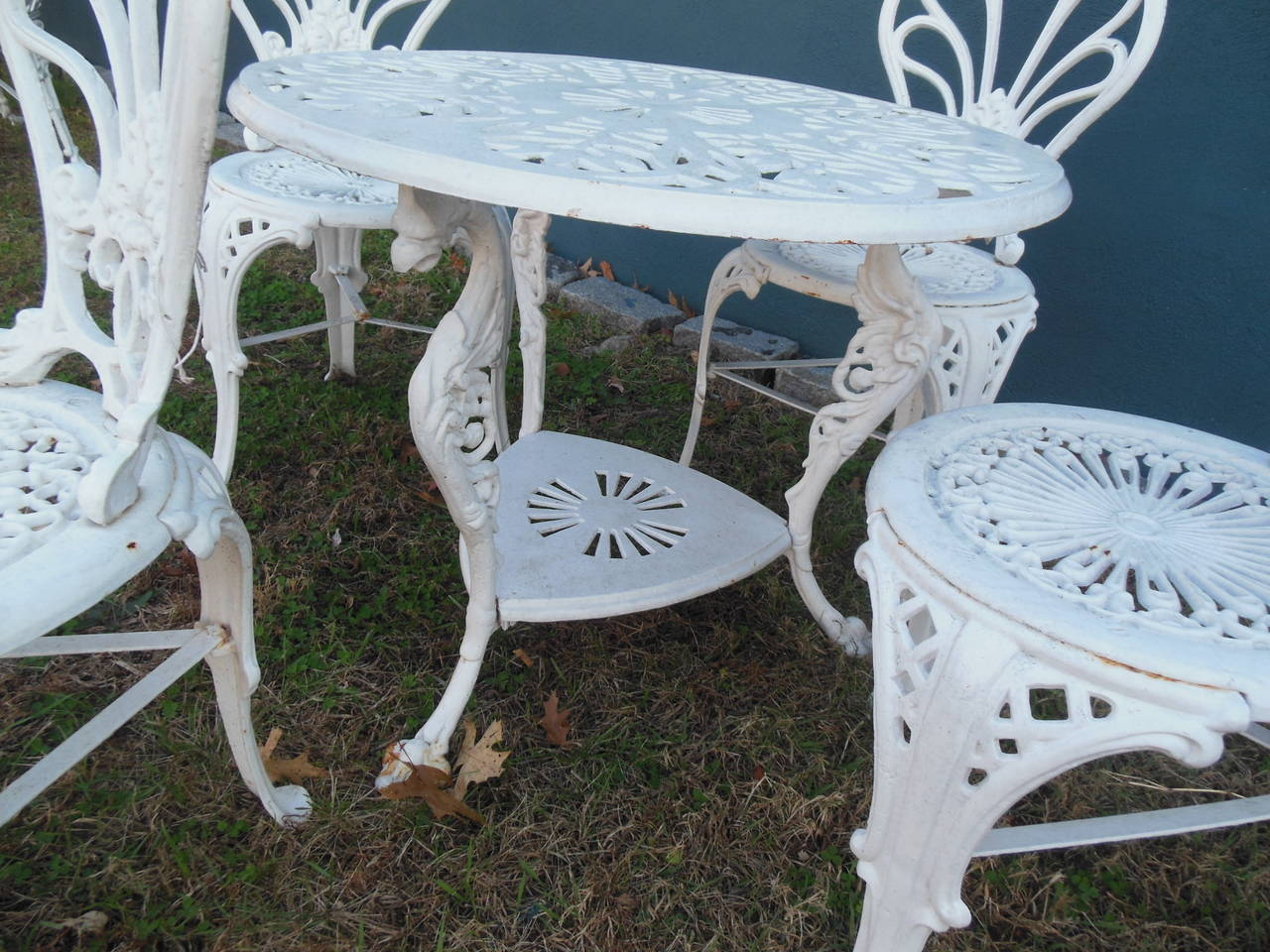 Belle Époque Antique Cast Iron Bistro Set, Five Pieces For Sale - Antique Cast Iron Bistro Set, Five Pieces At 1stdibs