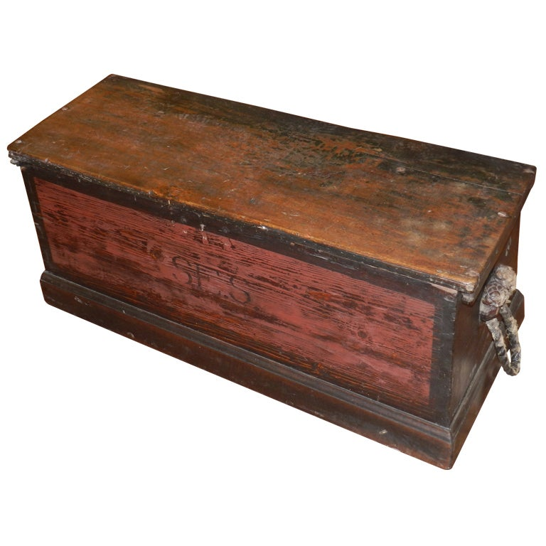 Original 19th century massachusetts seamans trunk at 1stdibs for Seamans furniture