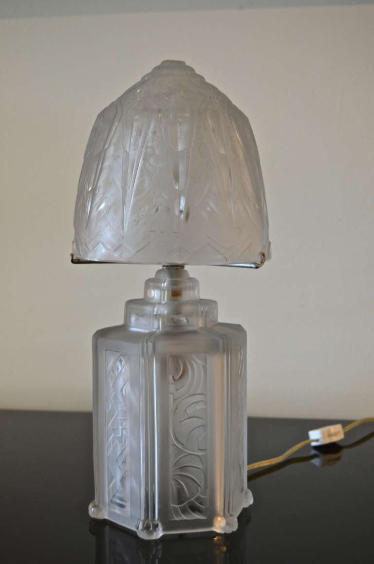 hettier and vincent french art deco boudoir lamp for sale at 1stdibs. Black Bedroom Furniture Sets. Home Design Ideas