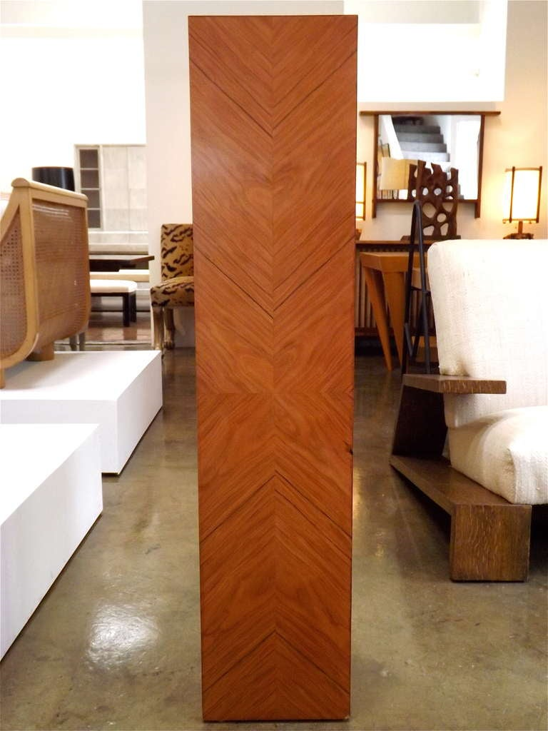 French Art Deco Chevron Veneered Pedestal In Good Condition For Sale In Los Angeles, CA