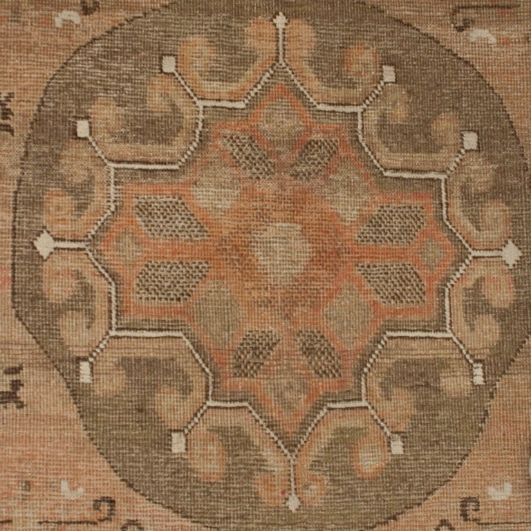 19th Century Central Asian Samarghand Carpet In Excellent Condition For Sale In Chicago, IL