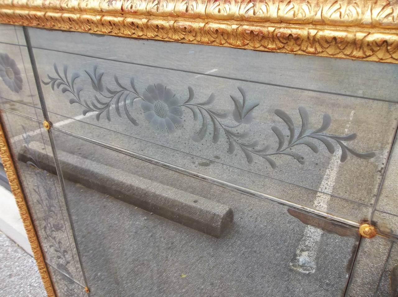 Italian Trumeau Mirror with Venetian Etched Floral Plates and Floral Oil For Sale 2