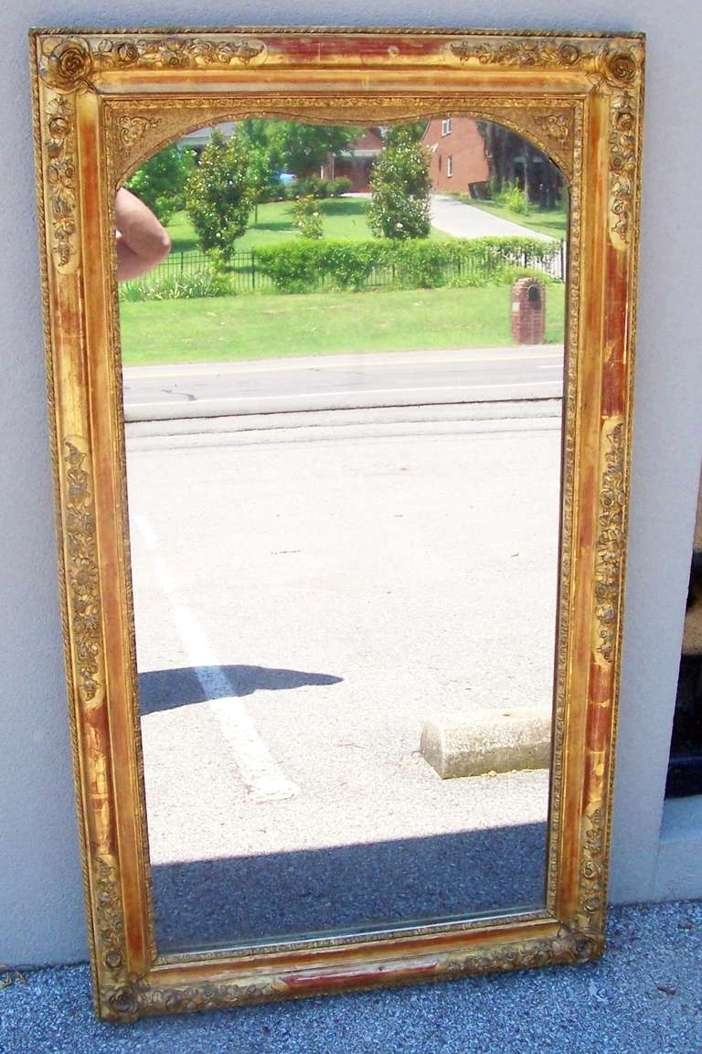 Colorful Lemon Giltwood Louis XVI Style Mirror With Floral Garlands  For Sale 3