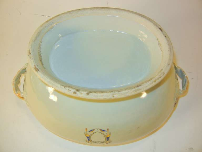 Love Birds Armorial Tureen with Underliner, Chinese Export Jiaqing Emperor For Sale 2