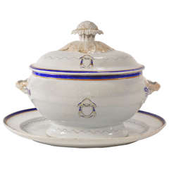 Love Birds Armorial Tureen and Underliner, Chinese Export Jiaqing Emperor