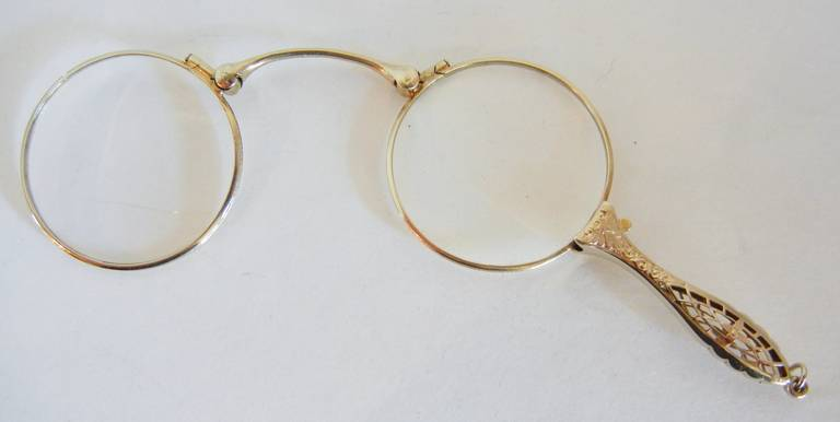 Folding Antique Lorgnette in 14-Karat White Gold For Sale 1