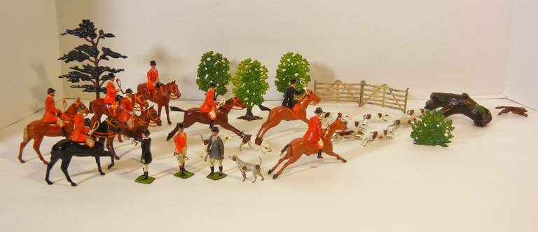 Fox Hunt Vignette of 30 Assembled Toy Figures by Britains Ltd., England 1920-60 In Good Condition For Sale In Quechee, VT