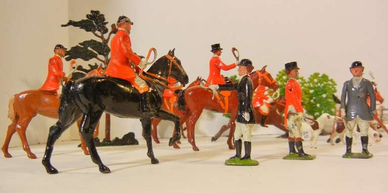 20th Century Fox Hunt Vignette of 30 Assembled Toy Figures by Britains Ltd., England 1920-60 For Sale