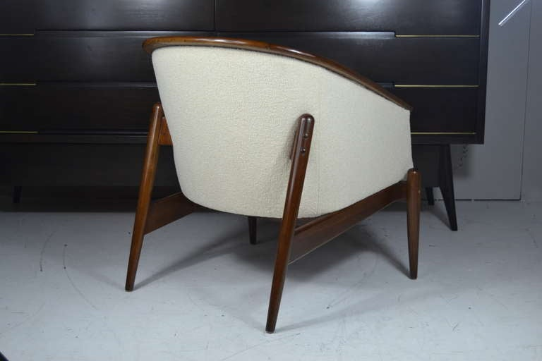 Mid Mod Floating Lounge Chairs at 1stdibs