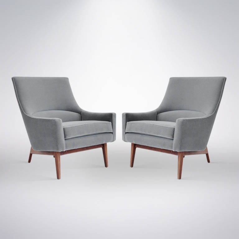 Pair of lounge chairs by jens risom model 2136 at 1stdibs for Stylish lounge chairs