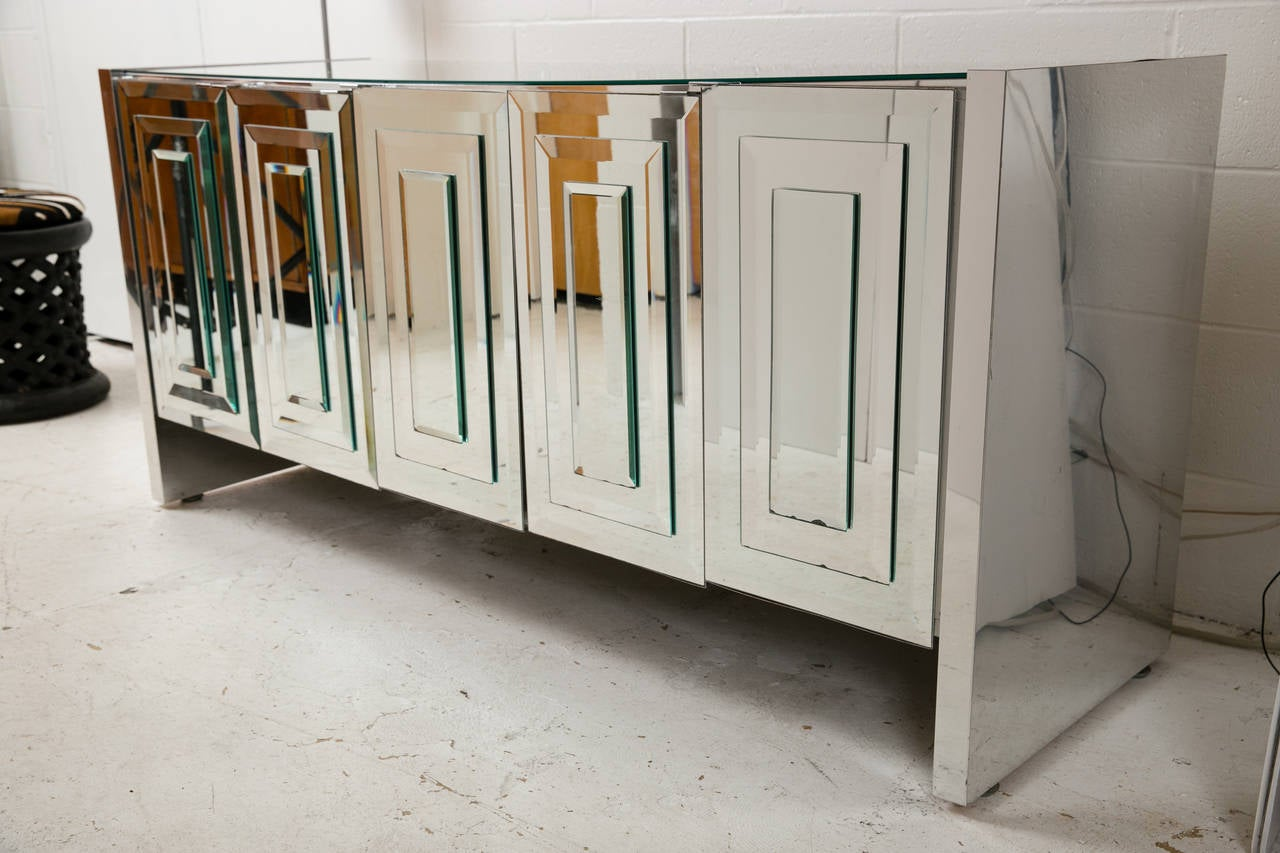 Merveilleux A Classic Mid Century Mirrored Cabinet Made By Ello Manufacturing, 1970s.  Bevelled And