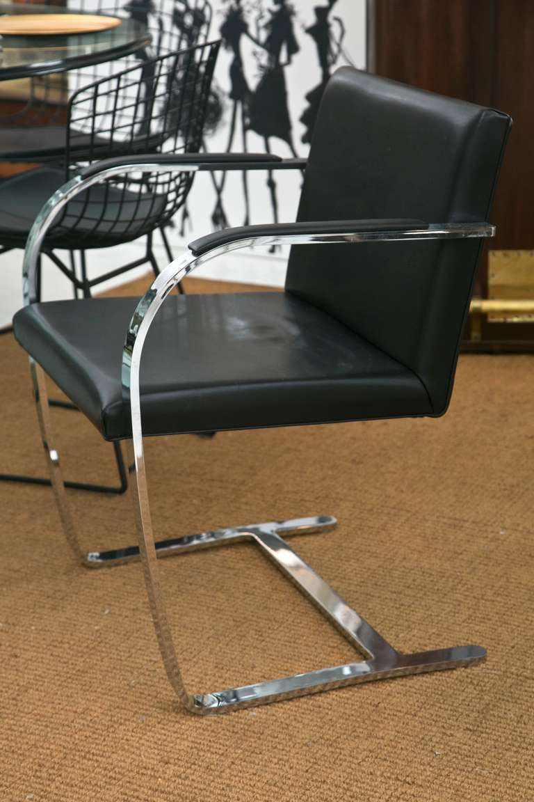 Mid-Century Modern Brno Chair by Ludwig Mies van der Rohe for Knoll For Sale