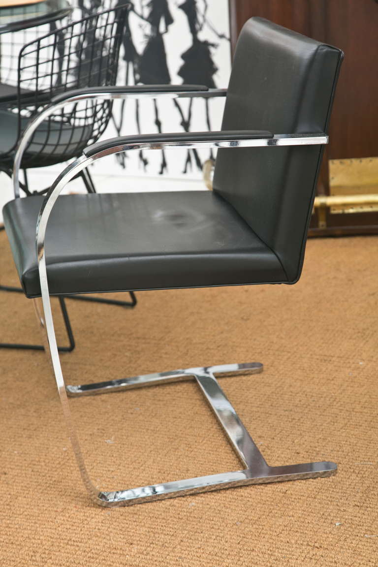 Brno Chair by Ludwig Mies van der Rohe for Knoll In Excellent Condition For Sale In Bridgeport, CT