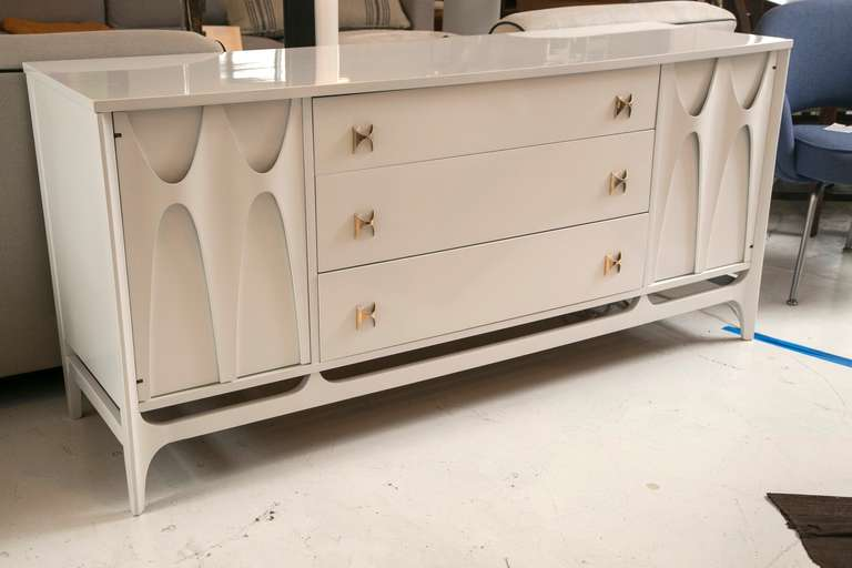 Midcentury Quot Brasilia Quot Credenza In White Lacquer At 1stdibs