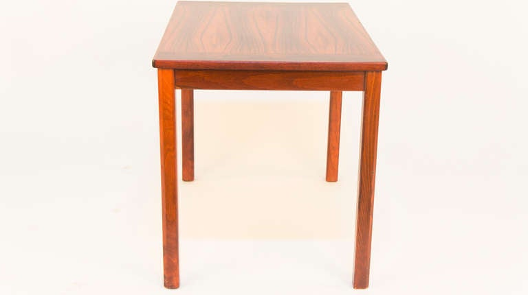 Scandinavian Modern Side Table In Excellent Condition For Sale In New York, NY