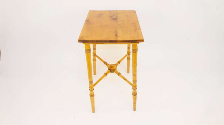 Renaissance Revival Breakfast Table In Excellent Condition For Sale In New York, NY