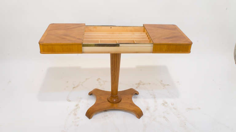 Art Deco Occasional Table In Excellent Condition For Sale In New York, NY